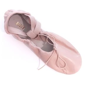 Ballet slippers. Sz 5C. Soft pink leather. Bloch